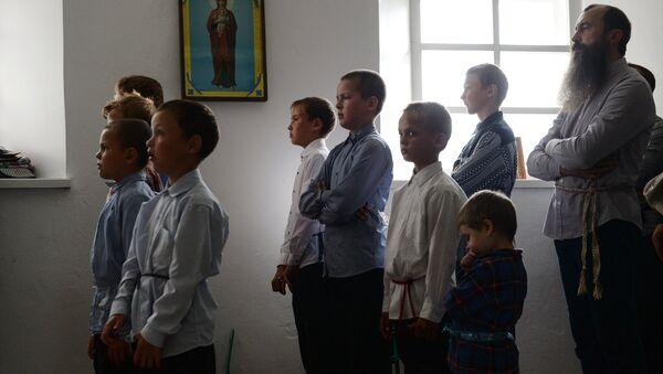 Niños de los viejos creyentes (archivo) - Sputnik Mundo