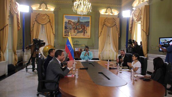 Nicolás Maduro, presidente de Venezuela, durante la reunión  de cancilleres de Colombia y Venezuela - Sputnik Mundo
