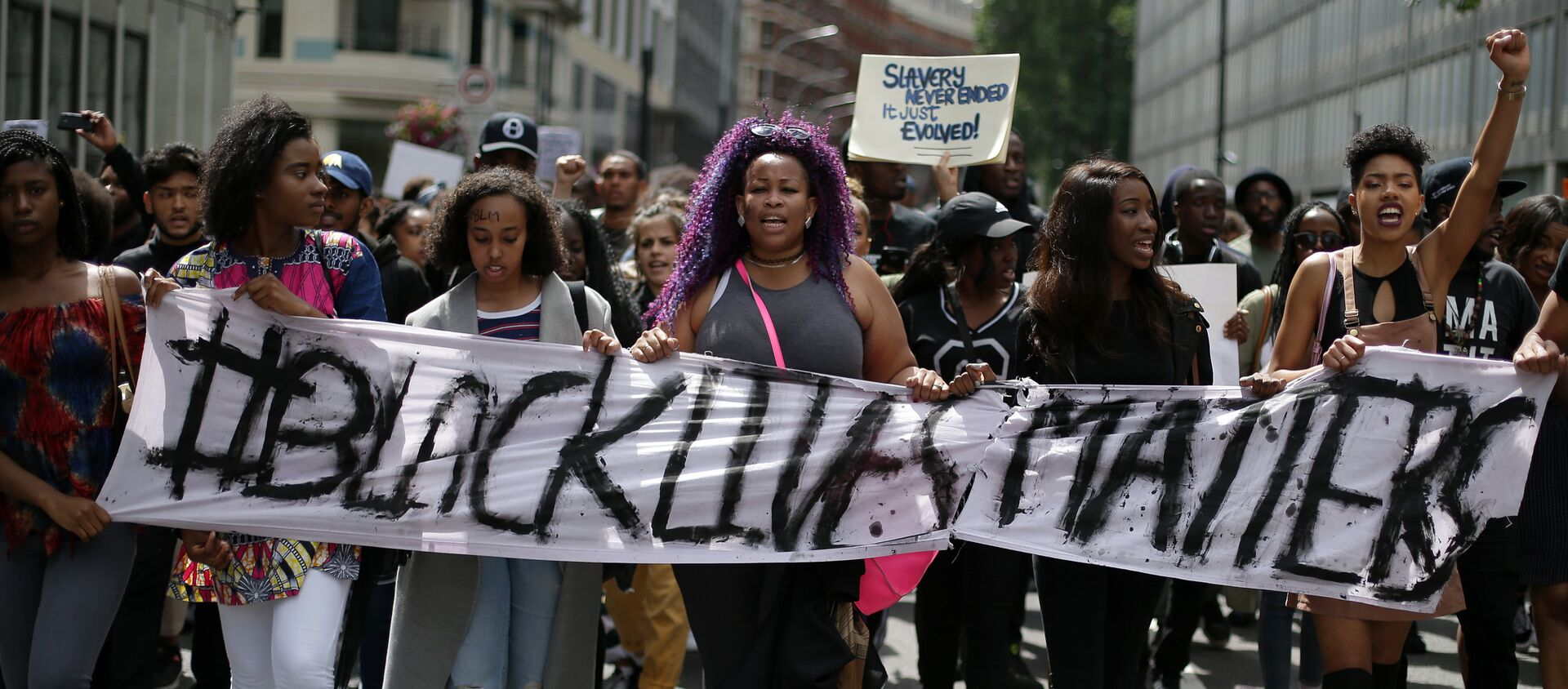 El colectivo Black Lives Matter monta protestas en Inglaterra - Sputnik Mundo, 1920, 04.06.2020