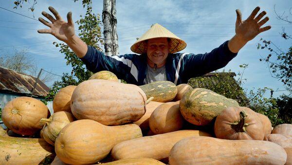 Un agricultor ruso - Sputnik Mundo