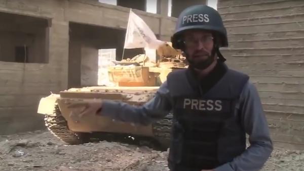 Un tanque explota en directo - Sputnik Mundo