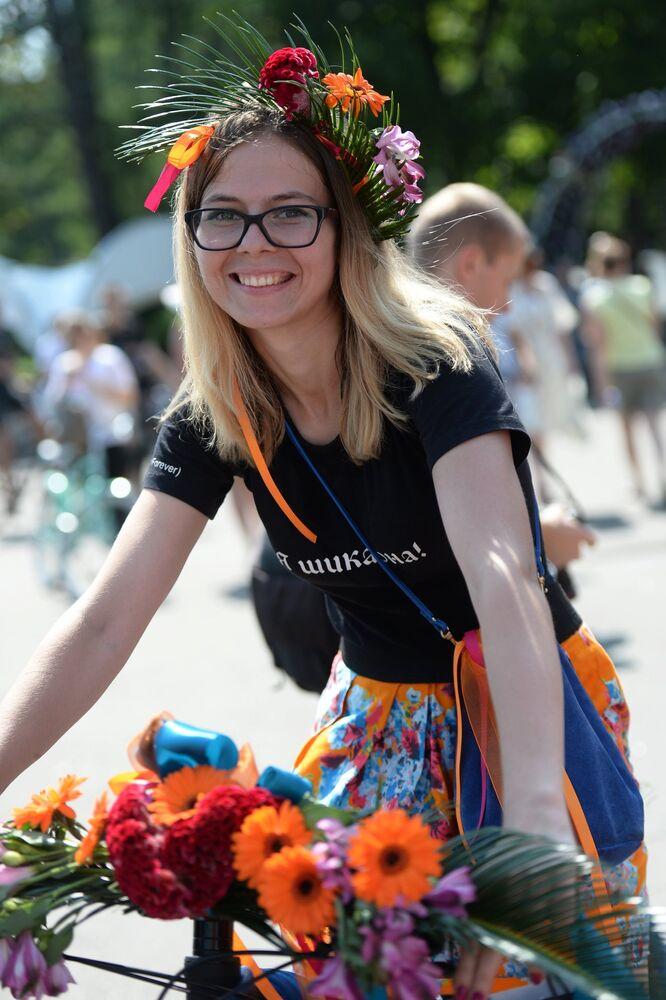 'Mujeres en Bici' invaden Moscú