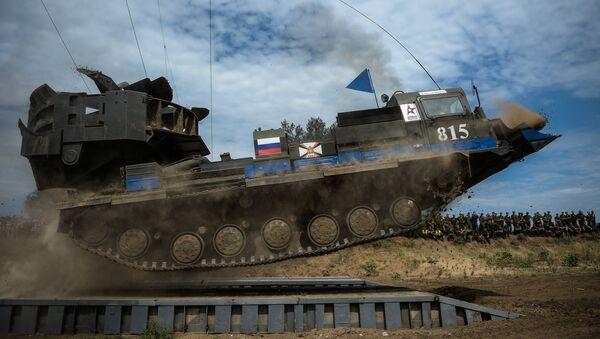 Un 'baile de tanques' pone punto y final al concurso internacional de ingeniería militar - Sputnik Mundo