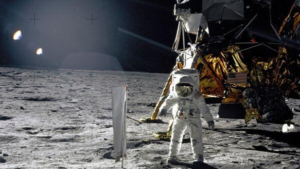 La misión Apolo 11 en la Luna - Sputnik Mundo