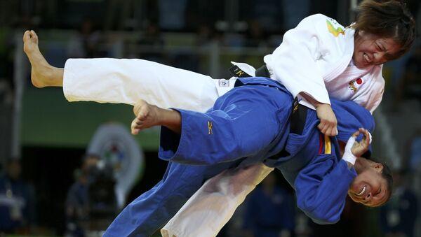 Judocas Yuri Alvear y Haruka Tachimoto - Sputnik Mundo