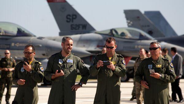 Los militares de la OTAN en la base militar en Sicilia, Italia - Sputnik Mundo