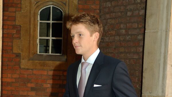 Earl Grosvenor leaves Chapel Royal in St James's Palace in central London after the Christening of Prince George of Cambridge on October 23, 2013. - Sputnik Mundo