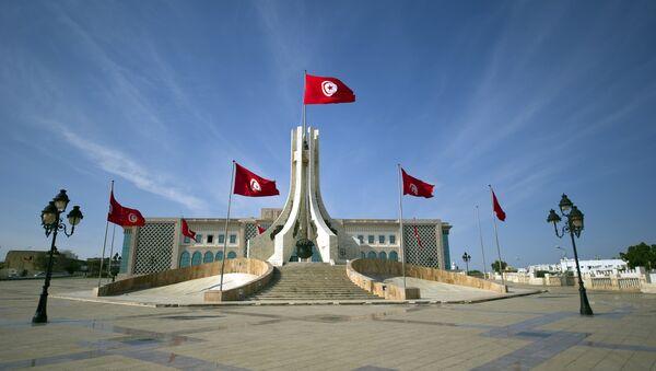Banderas tunecinos en el ayuntamiento de Túnez - Sputnik Mundo