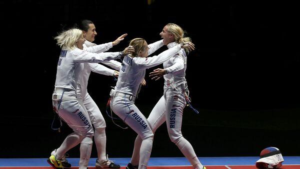 La selección femenina rusa de esgrima - Sputnik Mundo