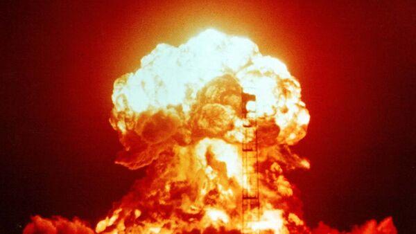 Una prueba nuclear (archivo) - Sputnik Mundo