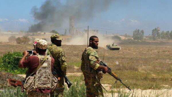 Tropas libias apoyadas por EEUU listas para entrar en Sirte, 10 de agosto de 2016 - Sputnik Mundo