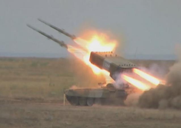 El sistema de lanzacohetes incendiarios ruso Solntsepiok pasa la 'prueba de fuego'