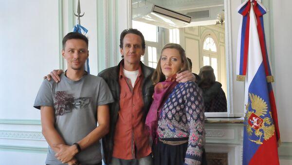 Konstantín Shorin (operador), Andréi Novosélov (director) y Natalia Sokolóva (productora) - Sputnik Mundo