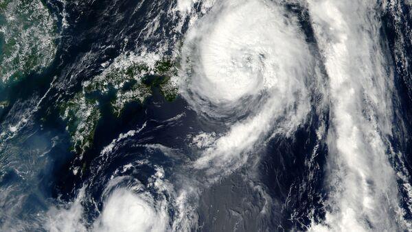 Un tifón desde el espacio - Sputnik Mundo