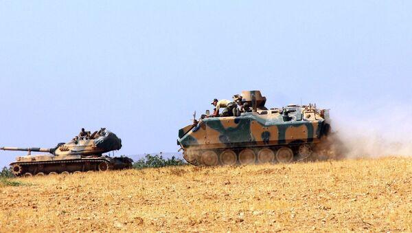 Tanques turcos en la frontera turco-siria - Sputnik Mundo
