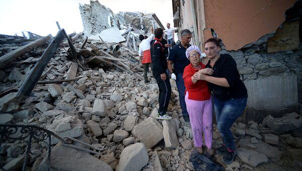 La ciudad italiana de Amatrice, en ruinas tras un fortísimo terremoto - Sputnik Mundo