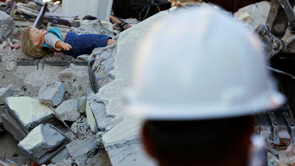Consecuencias de un terremoto en Italia (archivo) - Sputnik Mundo