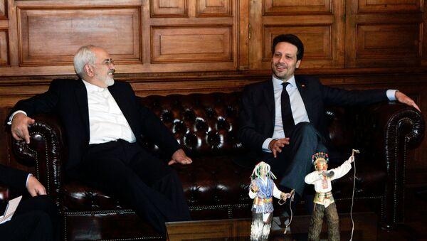Mohammad Yavad Zarif, canciller de Irán, y Guillaume Long, canciller de Ecuador - Sputnik Mundo