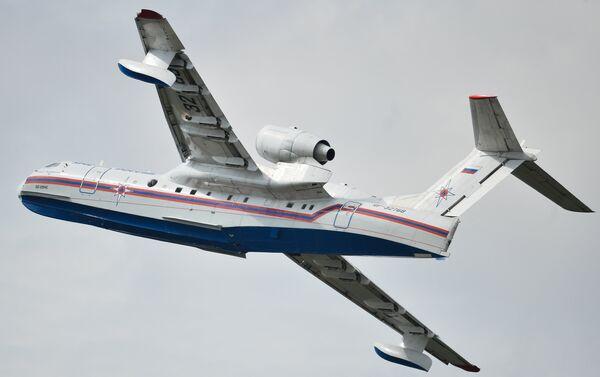 Avión anfibio ruso Be-200 - Sputnik Mundo