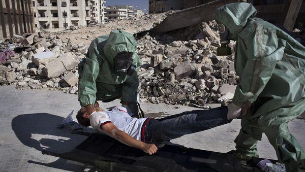 Voluntarios practican respuesta a un ataque químico, Alepo, Siria - Sputnik Mundo