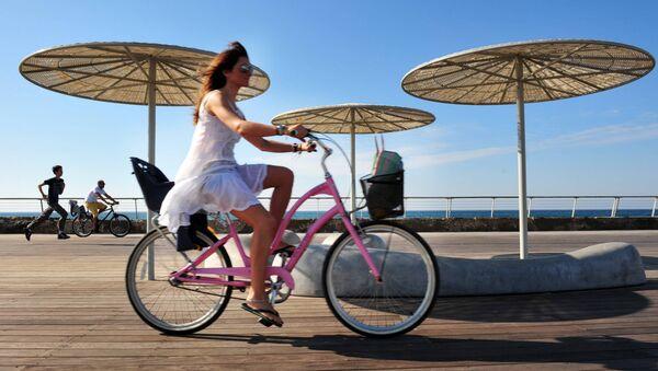 Ciclista en Tel Aviv - Sputnik Mundo