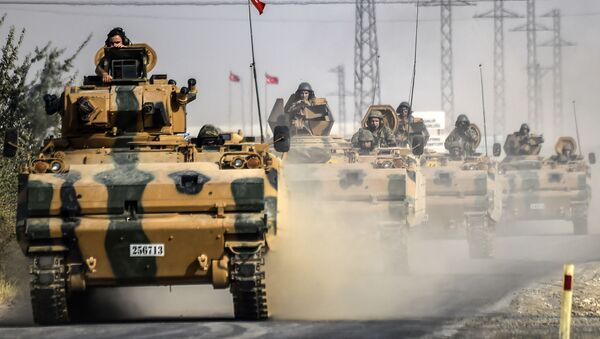 Танк турецкой армии у границы с Сирией - Sputnik Mundo