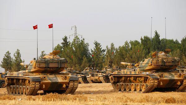 Tanques turcos cerca de la frontera con Siria - Sputnik Mundo