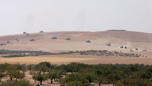 Los tanques del Ejército turco se dirigen hacia Yarabulus, Siria (archivo) - Sputnik Mundo