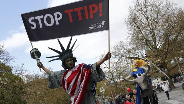 Una manifestación contra el TTIP en Alemania - Sputnik Mundo