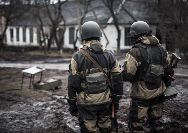 Voluntarios de la república autoproclamada de Donetsk en el pueblo de Shirókino (archivo)