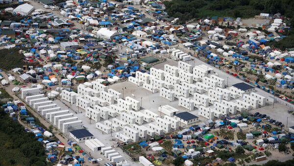El campamento de refugiados en Calais, Francia (archivo) - Sputnik Mundo