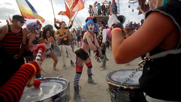 Predicadores en el desierto: el festival de 'autoexpresión radical' Burning Man - Sputnik Mundo