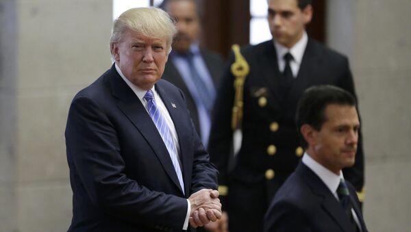 Candidato a la presidencia de EEUU, Donald Trump y presidente de México, Enrique Peña Nieto - Sputnik Mundo