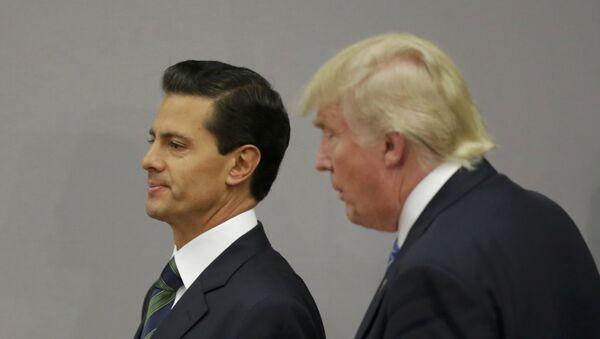 Presidente de México, Enrique Peña Nieto, y candidato a la presidencia de EEUU, Donald Trump - Sputnik Mundo