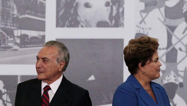 El presidente de Brasil, Michel Temer, y la expresidenta, Dilma Rousseff (archivo) - Sputnik Mundo