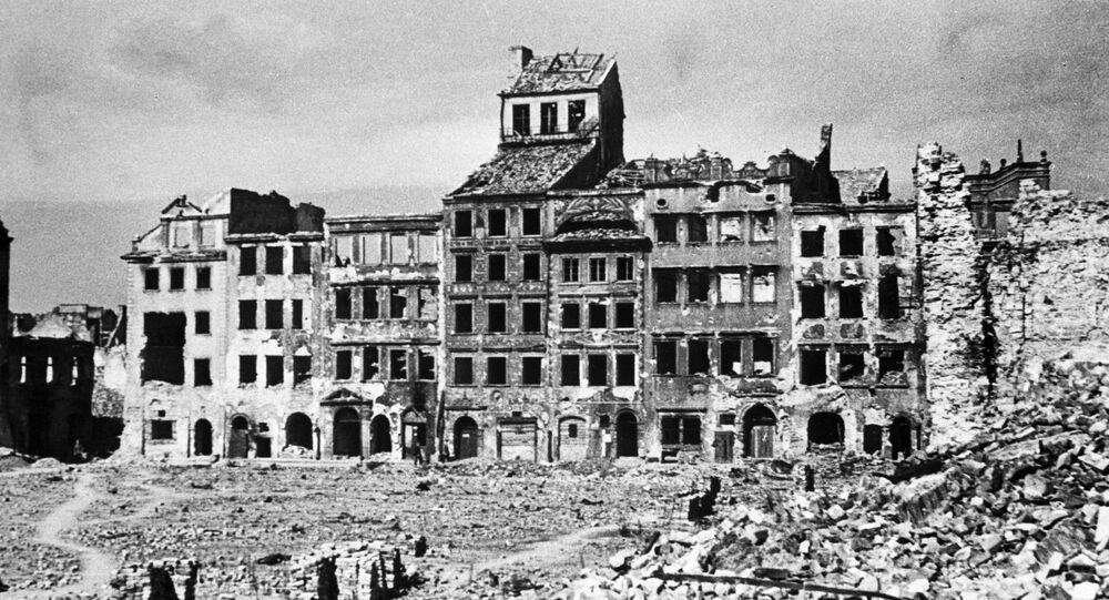 Una calle de Varsovia durante la Segunda Guerra Mundial