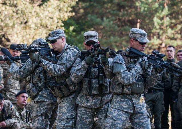 Soldados de EEUU capacitando a la Guardia Nacional de Ucrania