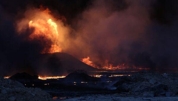 Pozos de petróleo, destruidos por los terroristas de Daesh en Irak - Sputnik Mundo