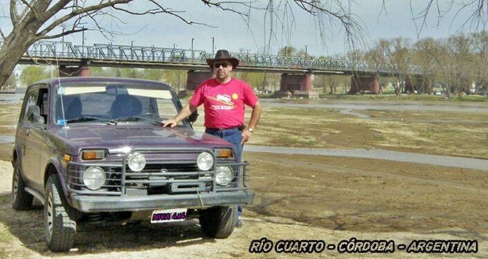 Sergio Antonelli con su carro