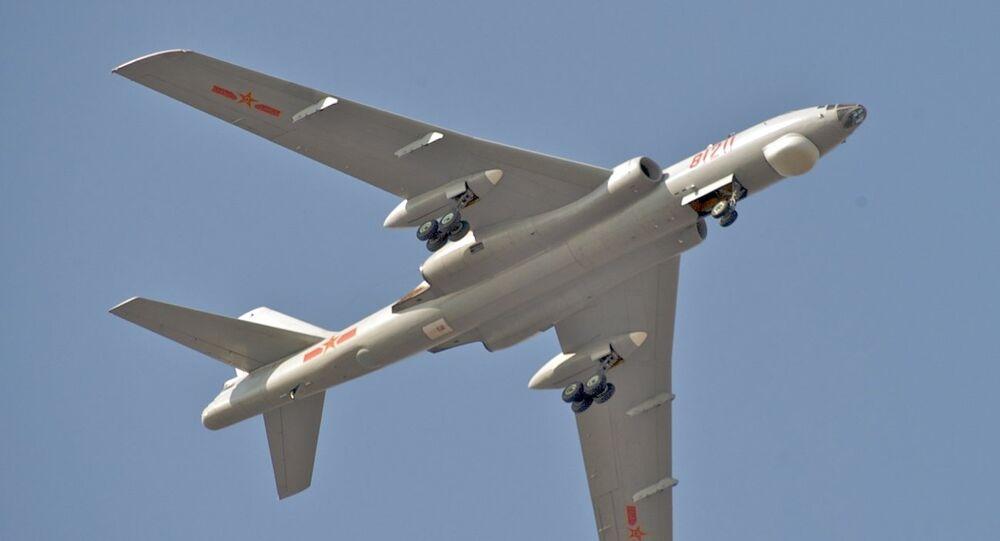 Un bombardero estratégico chino Xian Hong-6K (imagen ilustrativa)
