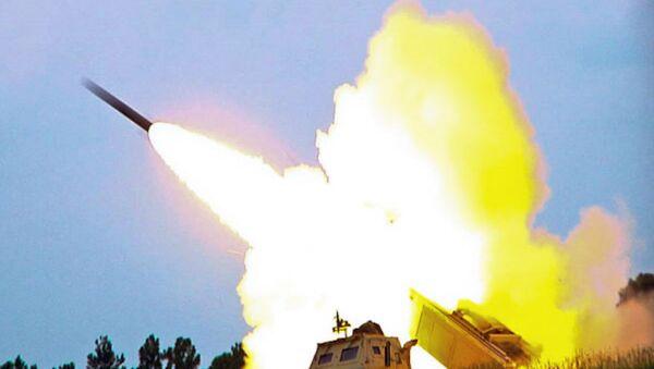 El lanzacohetes estadounidense Himars - Sputnik Mundo
