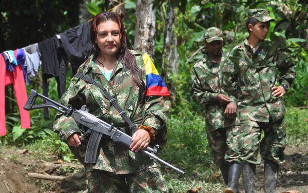 Guerrillera de las FARC - Sputnik Mundo