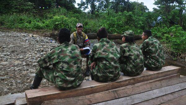 Guerrilleros de las FARC - Sputnik Mundo