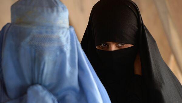 Women in burka - Sputnik Mundo