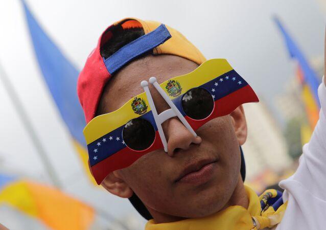 Un partidario de la oposición venezolana