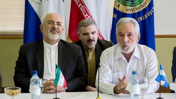 El canciller iraní, Mohammad Yavad Zarif, y su homólogo nicaragüense Samuel Santos - Sputnik Mundo
