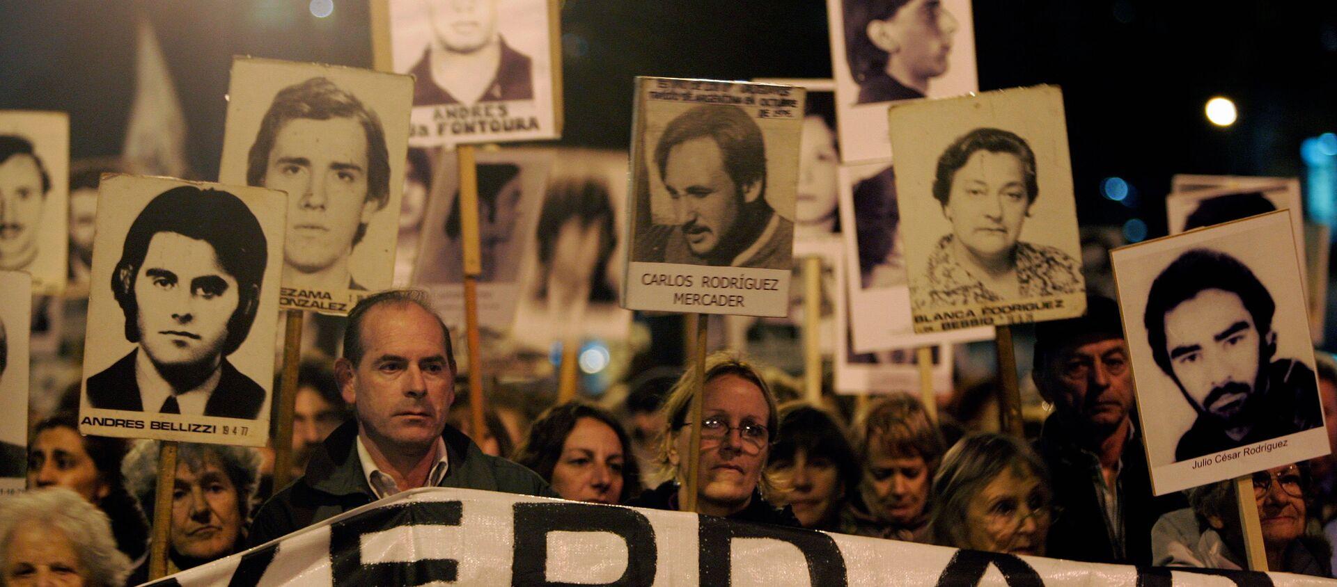 Marcha de Silencio en conmemoración de las víctimas de la dictadura de 1973-1985, 20 de mayo de 2088, Montevideo, Uruguay - Sputnik Mundo, 1920, 28.08.2020