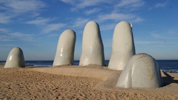 La mano, Punta del Este, Uruguay - Sputnik Mundo