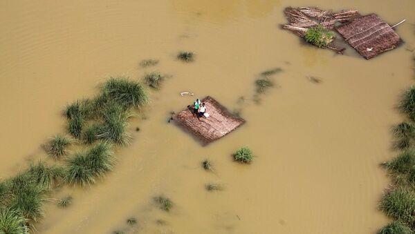 Consecuencias de las fuertes inundaciones en la India - Sputnik Mundo