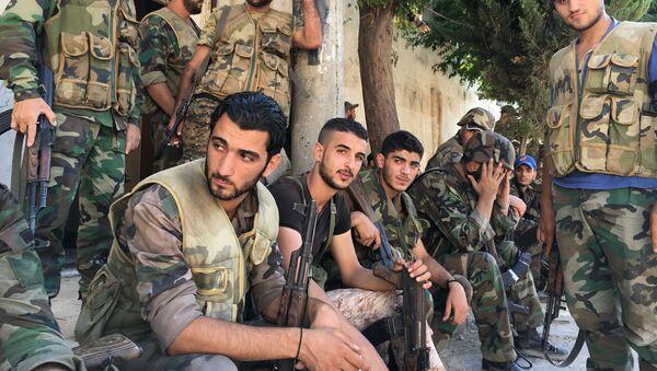Los tropas del Ejército sirio en Alepo - Sputnik Mundo